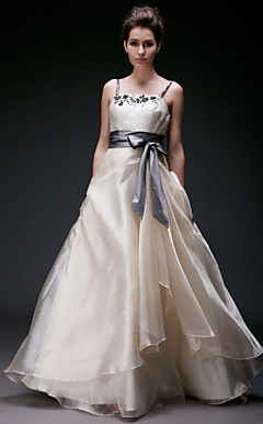 A-line Straps Floor-length Organza Wedding Dress With Beaded Appliques