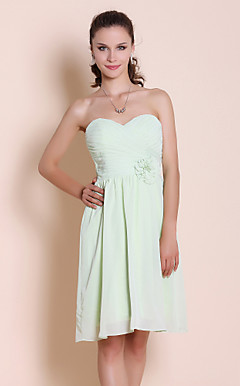 Sheath/Column Sweetheart Knee-length Chiffon Bridesmaid/ Wedding Party Dress