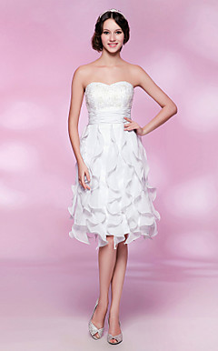 A-line Strapless Knee-length Chiffon Lace Cocktail Dress