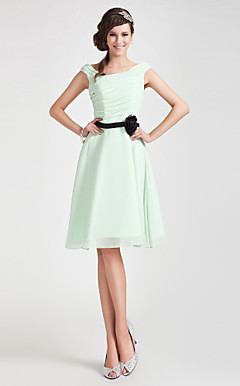 A-line Off-the-shoulder Knee-length Chiffon Bridesmaid Dress