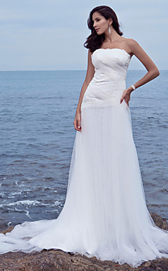 Sheath/Column Strapless Chapel Train Tulle Wedding Dress