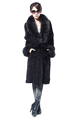 Sjarmerende langermet Raccoon Collar Evening Mink Fur Coat