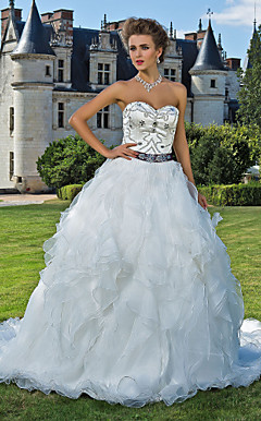 Ball Gown Sweetheart Cattedrale di treno organza e satin abito da sposa