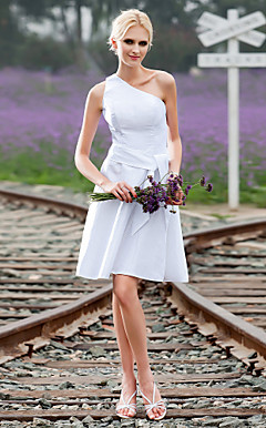A-line One Shoulder Knee-length Taffeta Wedding Dress