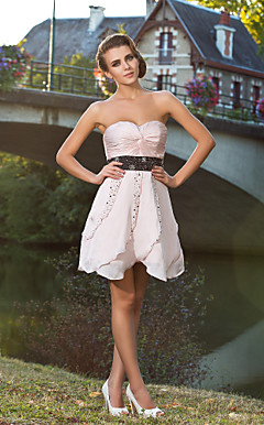 A-line Sweetheart Knee-length Satin Chiffon Cocktail Dress