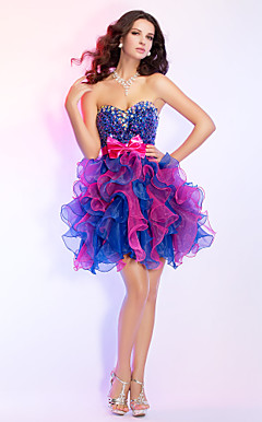 Ball Gown Sweetheart Short/Mini Organza And Sequined Cocktail Dress With Beading And Ruffles