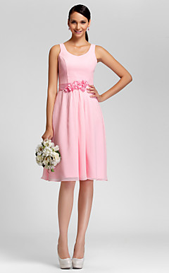 A-line Scoop Knee-length Chiffon Bridesmaid Dress