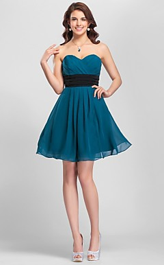 Sheath/Column Sweetheart Knee-length Chiffon Modern Bridesmaid Dress with Removale Straps