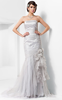 Trumpet/Mermaid Strapless Court Train Tulle Evening Dress