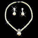Shining Ivory Pearl Ladies' Jewelry Set Including Necklace and Earrings